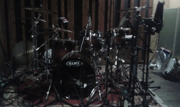 wayward-sons-phil-martini-mapex-orion-paiste-2002-vic-firth-sticks-aquarian-heads