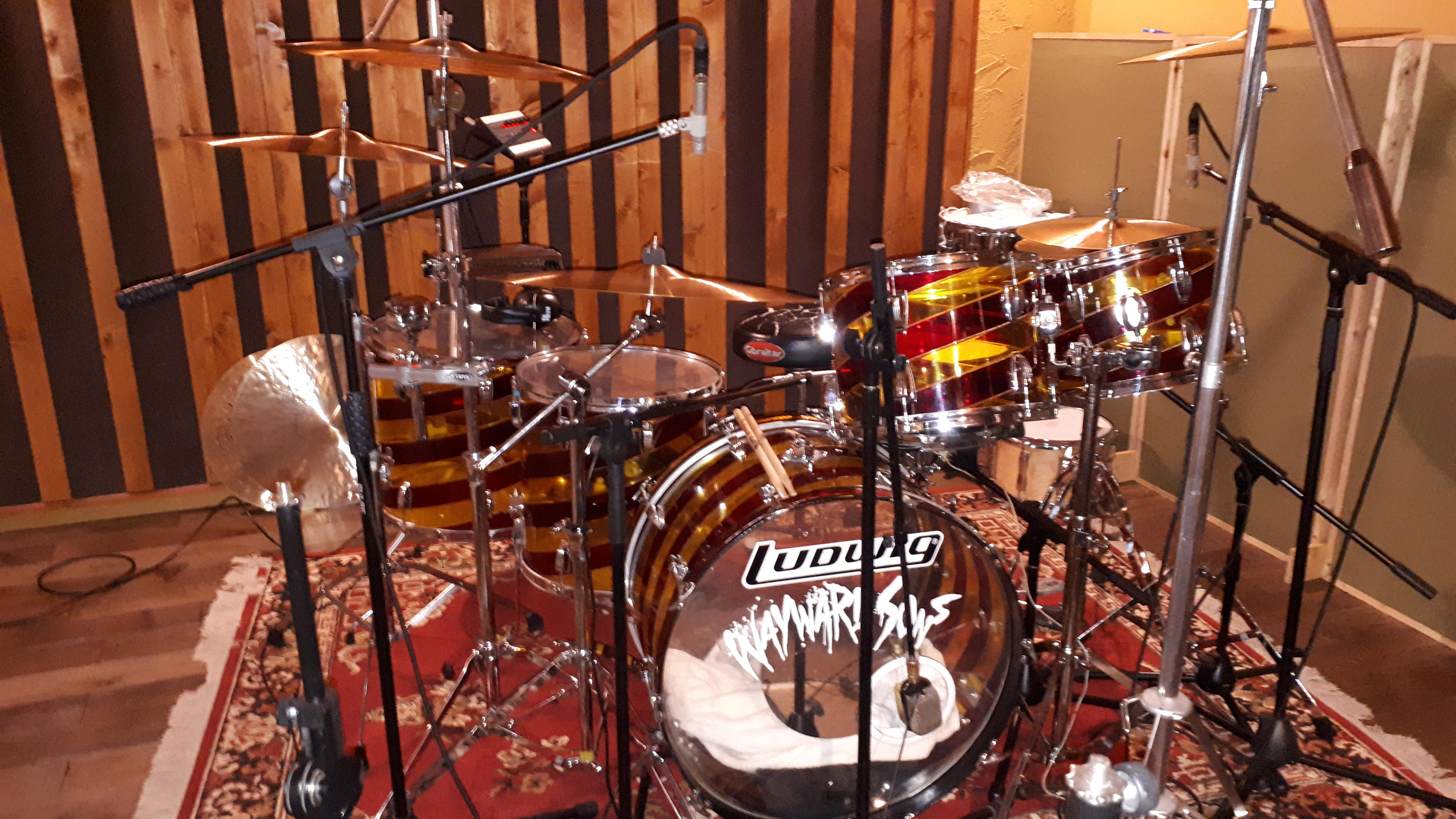 """Wayward Sons, Phil Martini, Toby Jepson, Vale Studios, New LP ,Ludwig Vistalite, Candy Cane, Paiste 2002 Cymbals, Vic Firth 3A Drumsticks, Ludwig Snare Drums, Meinl 8"""" Cowbell, Studio Drummer"""
